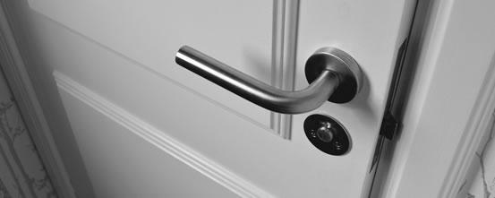 Chiswick locks change service